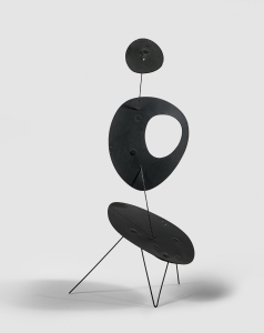 Alexander Calder, <i>Untitled</i>, 1954, sheet metal, wire and paint, 17 3/4 x 8 1/4 x 7 1/2 in. (45 x 21 x 19 cm)